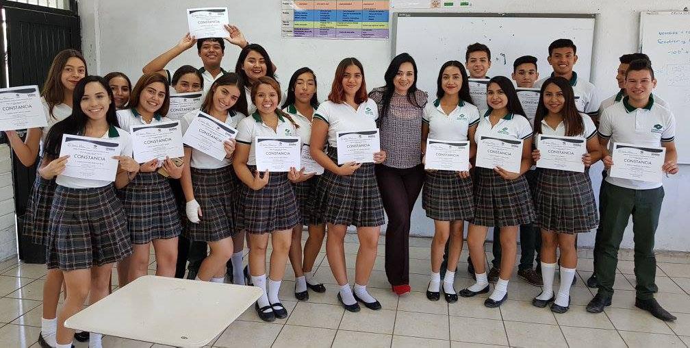 #CONALEPGuaymas entregó  constancias PLANEA 2017 a los alumnos participantes.